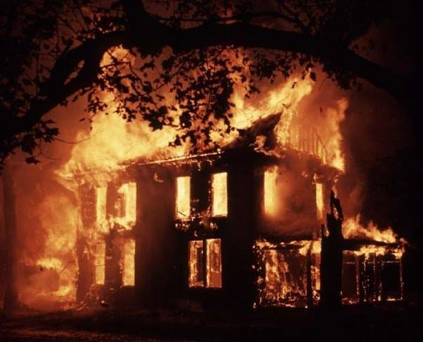 2009_House_Fire_Night